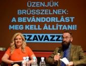 Keményen dolgozó fideszes EP-képviselőnő üdvözli az egységes mobiltöltőket