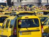 Lesz baj: Nem taxizhat, akinek priusza van
