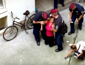 Óriási felháborodást váltott ki, hogy félájultan raktak utcára a rendőrök egy 11. kerületi nőt