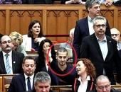 Botrány vagy hiszti a parlamentben: kiabálás és sípolás után kivonult az ellenzék