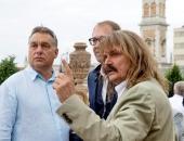 """Botrány 40 év után: Orbán milliárdokkal tömött kedvenc lieblingje állítólag csak tátogott a """"legendás"""" videóban"""