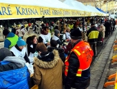 Megvan az új helyszín a túlzottan szem előtt lévő Blaha Lujza téri ételosztáshoz
