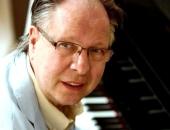 Csaknem megduplázódott a napi új fertőzöttek száma - meghalt Balázs Fecó zenész is