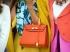 Idei kedvenc táskád a Living Coral színben pompázik